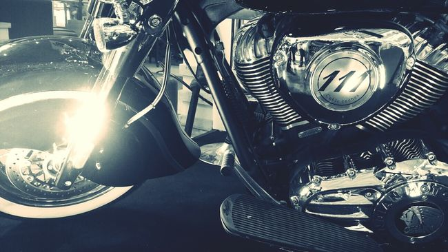 Monochrome Photography Close-up Motorcycle Blackandwhitephotography Black & White Useoflight Imperfection Is Beauty