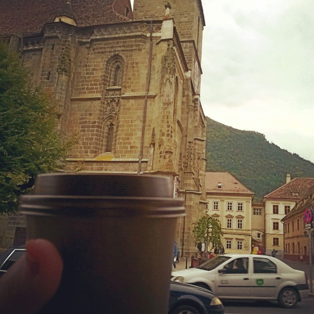Cafeaua Se Serveste La Munte Brasov