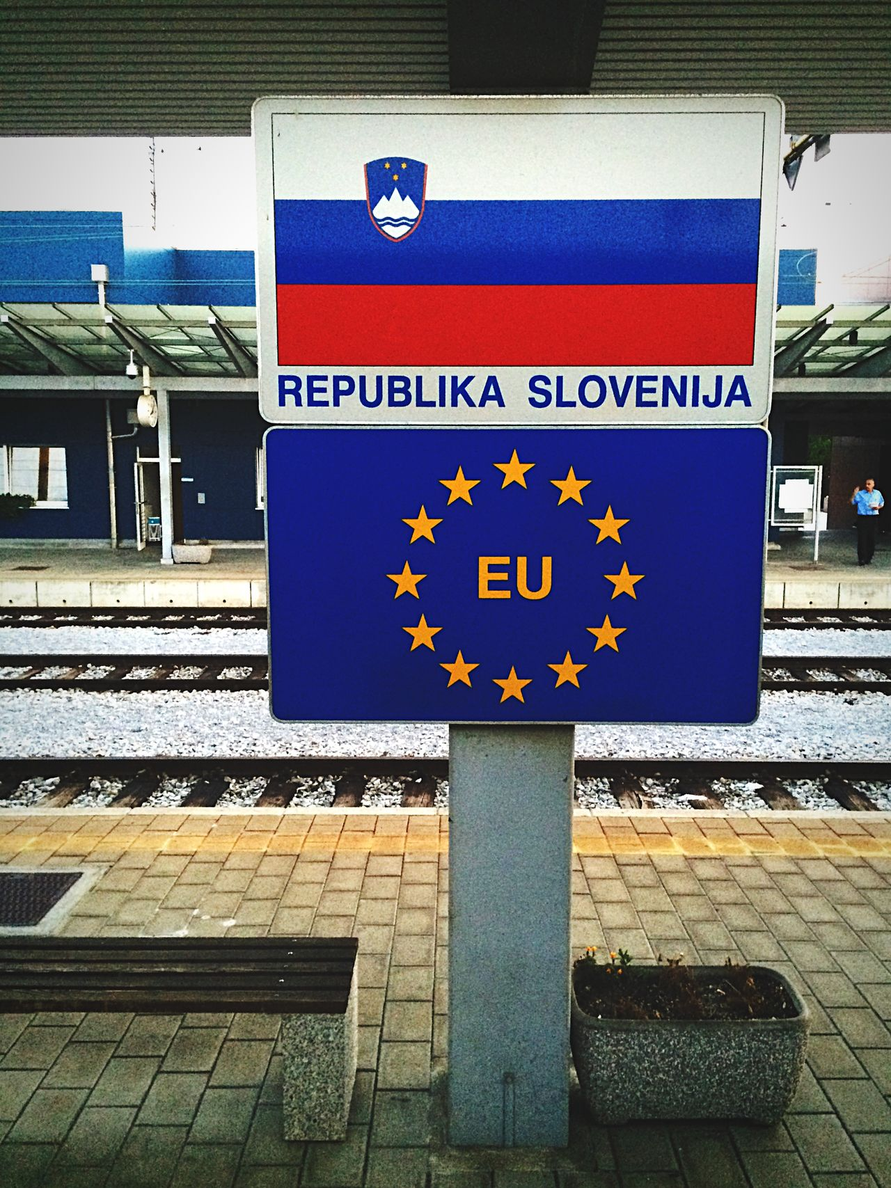 Borderland Slovenia Croatia Sign Control Europe Republic