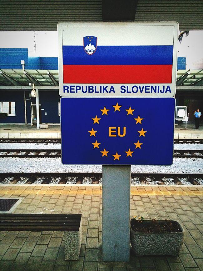 Borderland Slovenia Croatia Sign Control Europe Republic