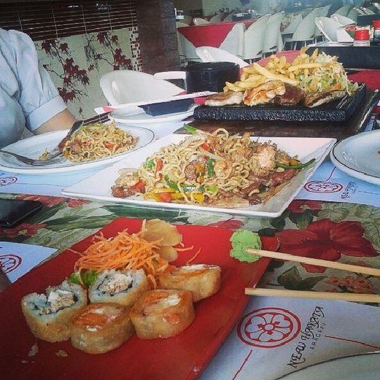 Almoço digno de uma sexta-feira! Delicia Sushi Yaki Grelhados NewHakata