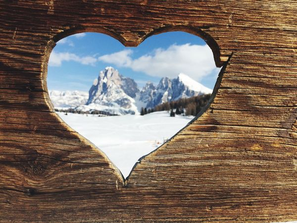 A lovely day on my board having a nice view at Langkofel Alto Adige Snow Sunburned Wood - Material Wood View Heart Mountains Mountain View Langkofel Showcase April Point Of View Heart ❤ Wooden Texture