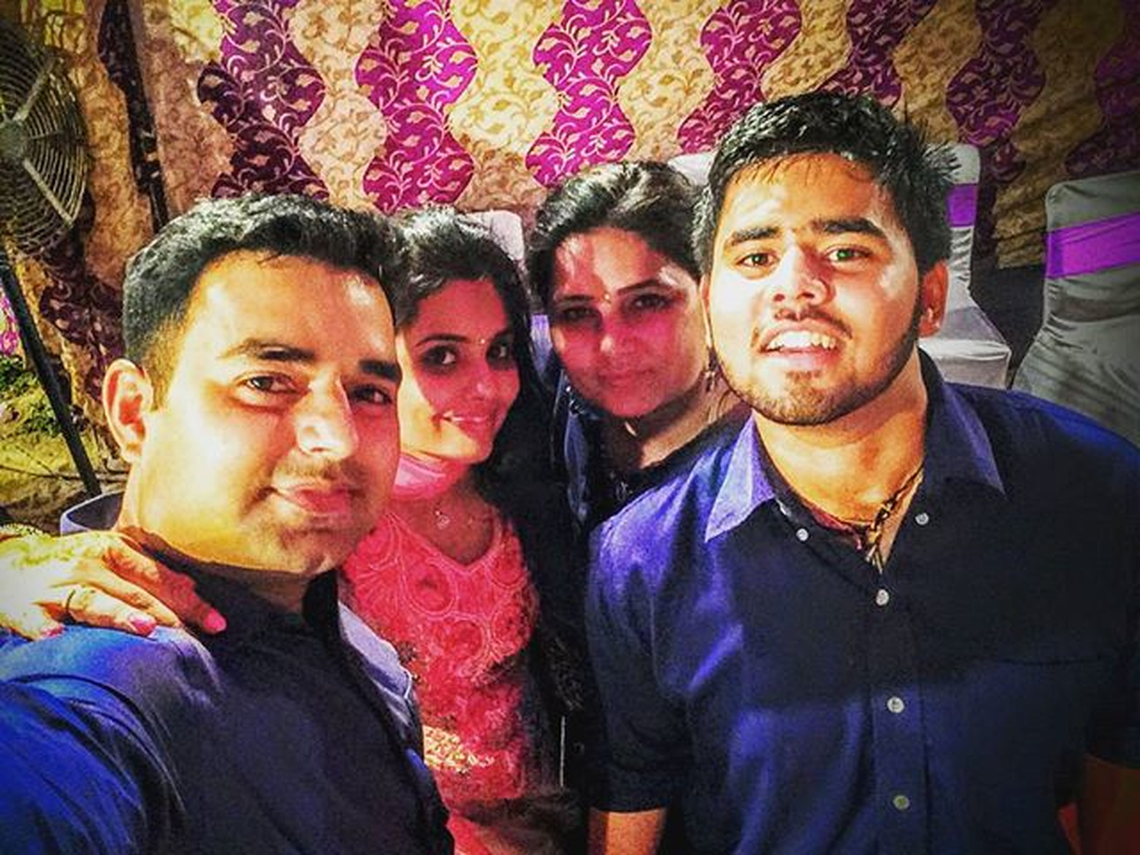 togetherness, lifestyles, bonding, person, leisure activity, portrait, love, looking at camera, casual clothing, smiling, happiness, friendship, front view, young adult, young men, family, sibling, sister
