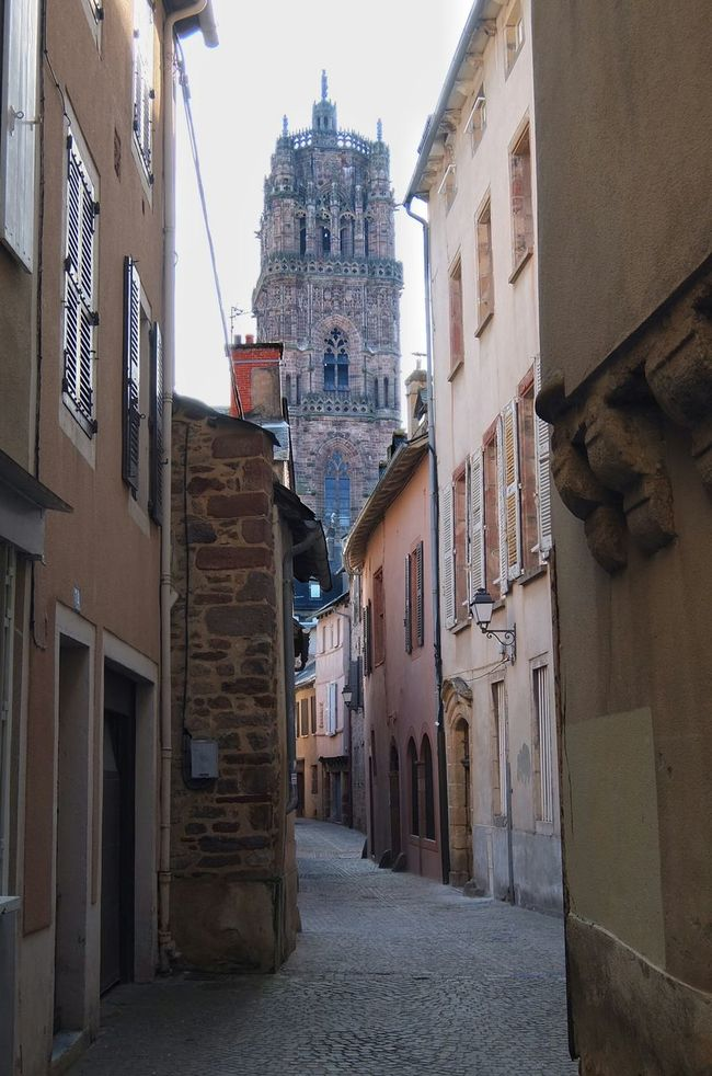 Streetphotography Cityscapes Rodez Aveyron France Cathédrale De Rodez Cathedral Oldtown Gothic Gothic Architecture Gothic Church