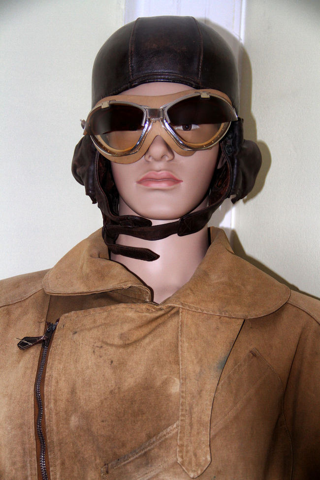 Aviation Aviatrix Beauty Dummy Dummy Heads Dummy Photos Fashion Front View Looking At Camera Person Portrait Safety Sunglasses Wearing