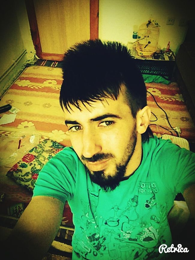 That's Me Selfie Dirty Room  Hello World Relaxing
