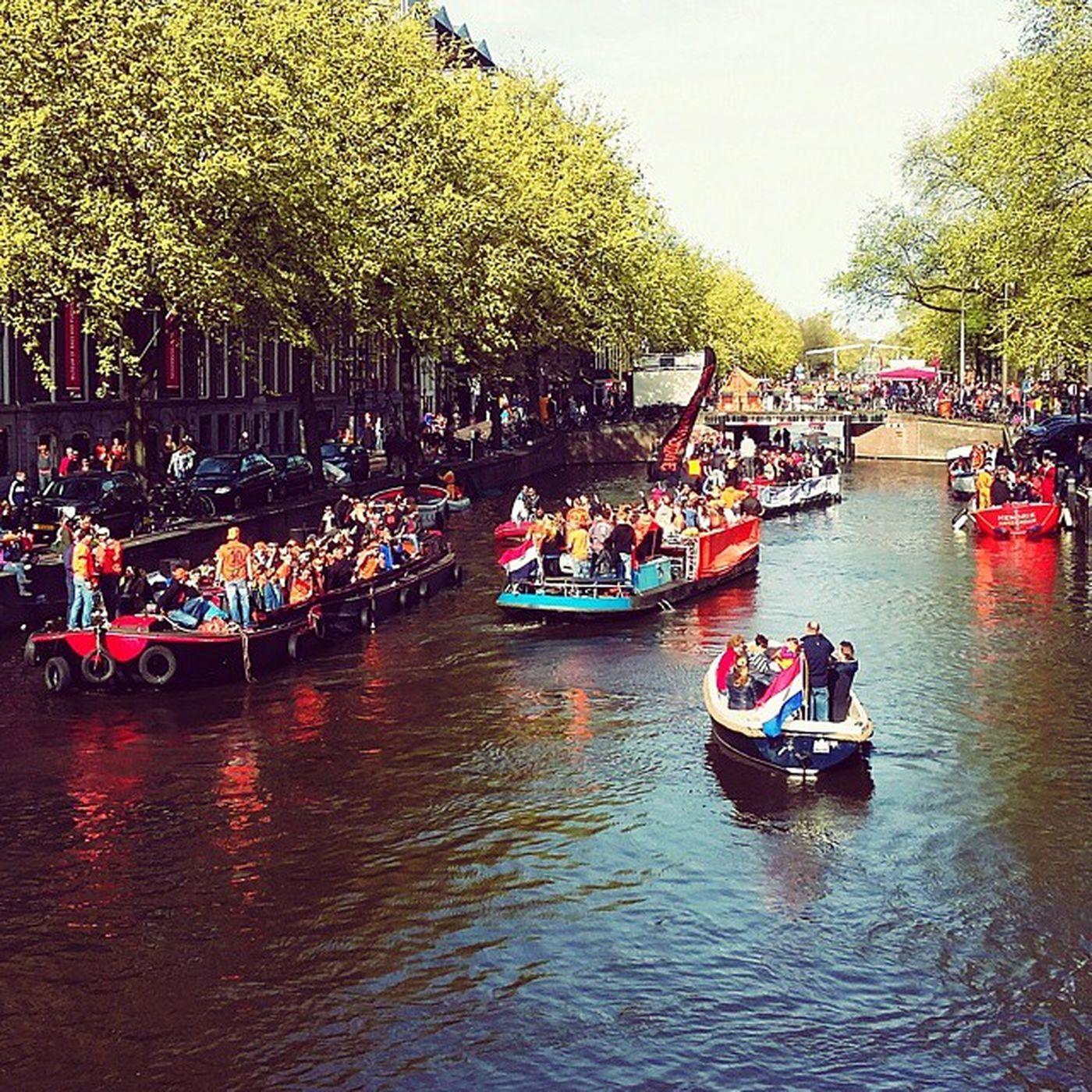 Koningsdag Koningsdag2015 Kingsday Amsterdam netherland travelphotography traveling instatravel instadaily colorful orange holland fun music dance photooftheday