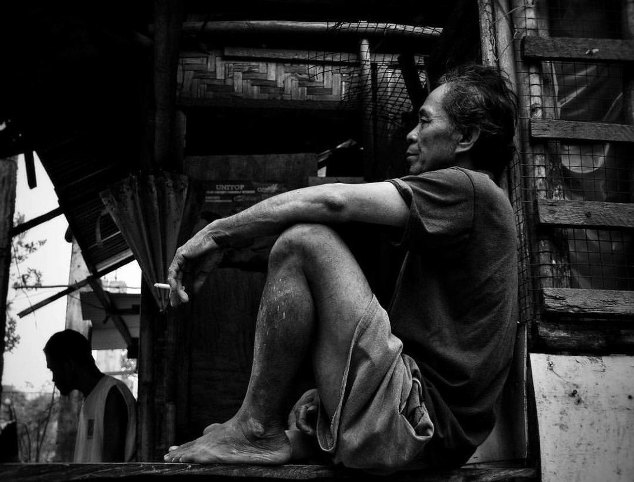 Thinking Thinking About Life Thinking Of A Master Plan Silence Speaks Silence Before The Storm Silence Is Luxurious Nothingbox Men Life Life's Simple Pleasures... Smoke Cigarette  Cigarette Time Cigarette Break Metime Metimeissoprecious Blackandwhite Black & White People Philippines