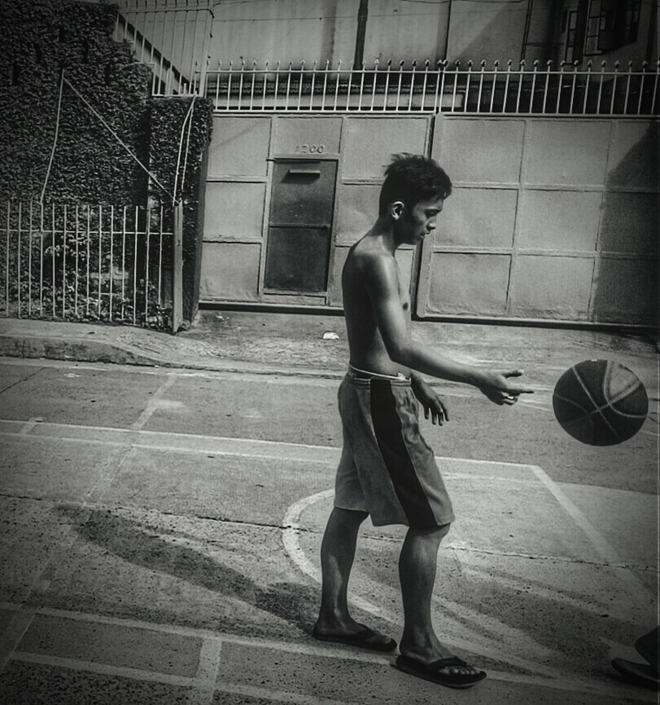 Heat touches skin. Blackandwhite Black And White Blackandwhite Photography Streetphoto_bw Street Photography The Moment - 2015 EyeEm Awards Eyeem Philippines Monochrome Streetbasketball Mobile Photography
