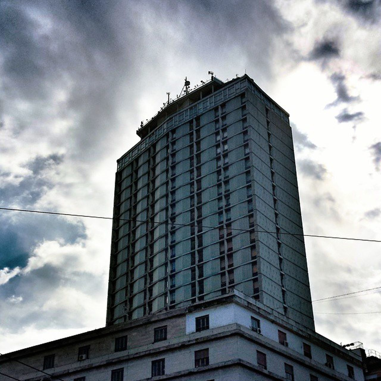Napoli Naples Neapel なポリ grattacielo hotel Skyscraper nuvole cielo sole clouds sky sun foto_napoli Napolipix napoli_foto