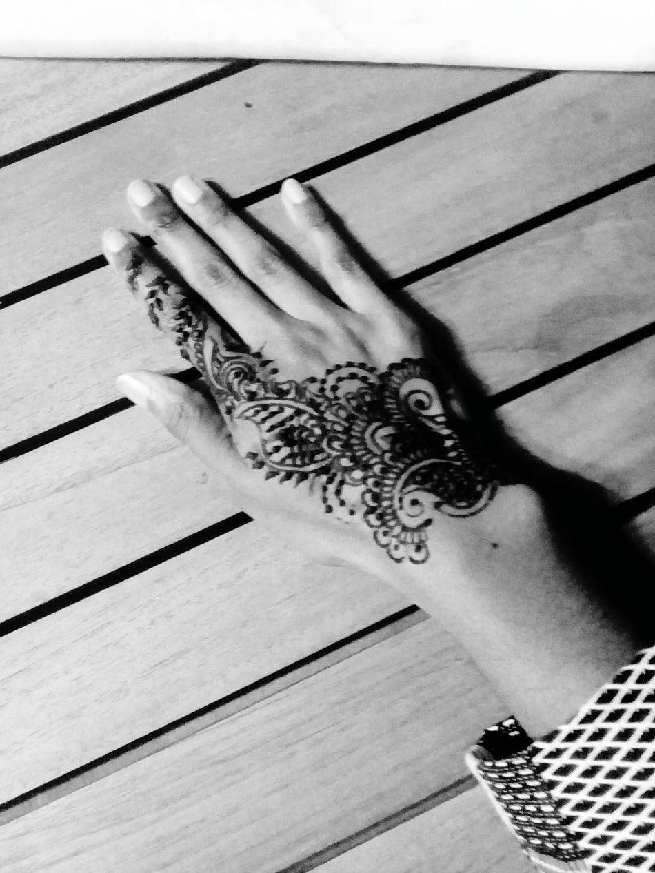 Indoors  Mehendi Art Art Artphotography Picoftheday Beauty Relaxing Draw