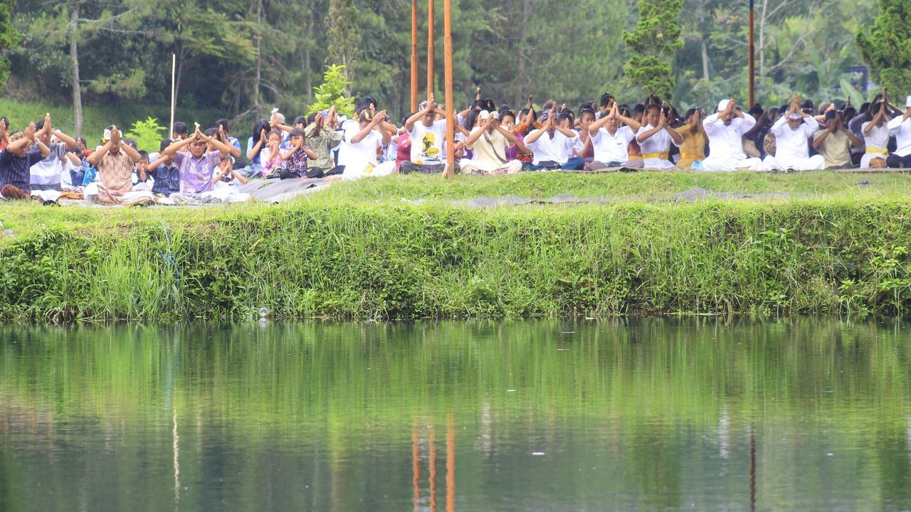 Brazil Carnival Crowds Reflection Nature Real People Large Group Of People Men Water Outdoors Day Rural Scene Indonesia Culture Indonesia Traditional