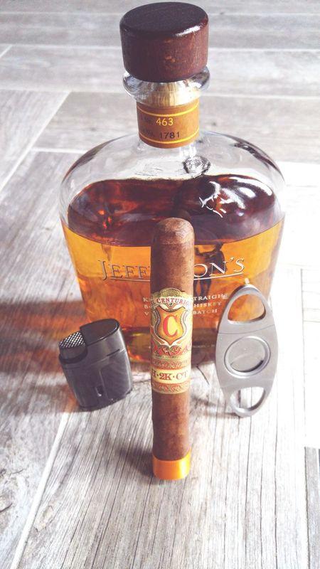 Cigarsandbourbon Cigars Bourbonwhiskey Myfathercigars Finerthings Botl Cigaroftheday Bourbonlovers Cigarsociety Cigarart Cellphone Photography 43 Golden Moments