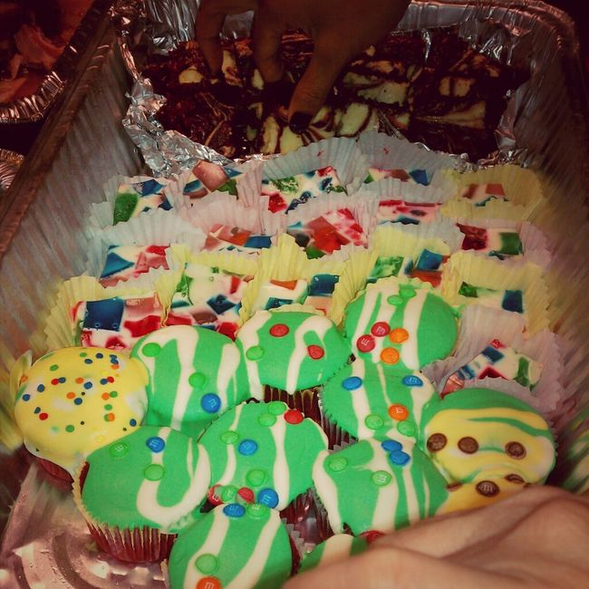 Red velevet cupcakes w/cream chese frost. Broken Glass Jell-O & Red velvet cake w/white chocolate.