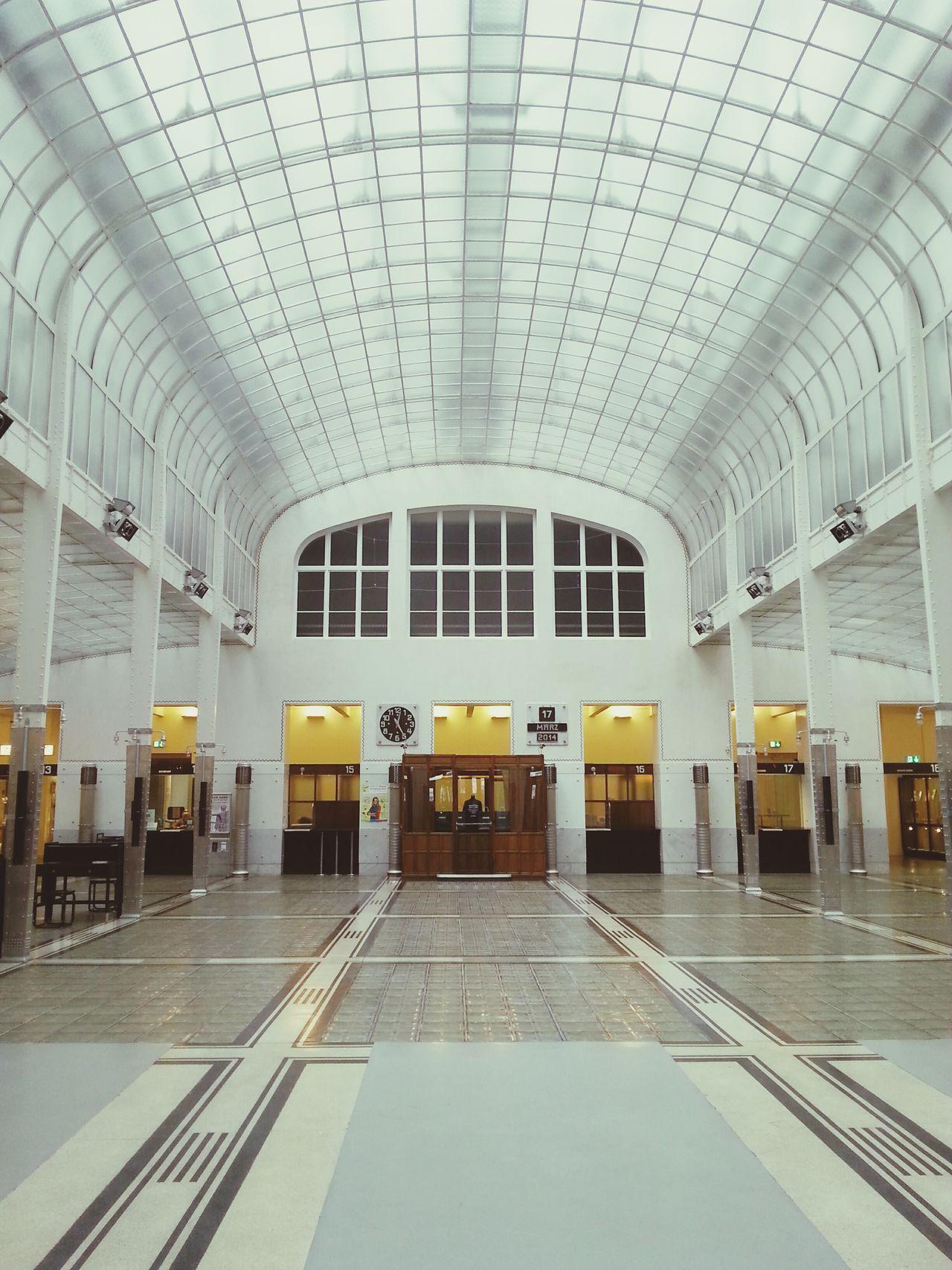 Beautiful stock photos of löwe, transportation, travel, indoors, railroad station