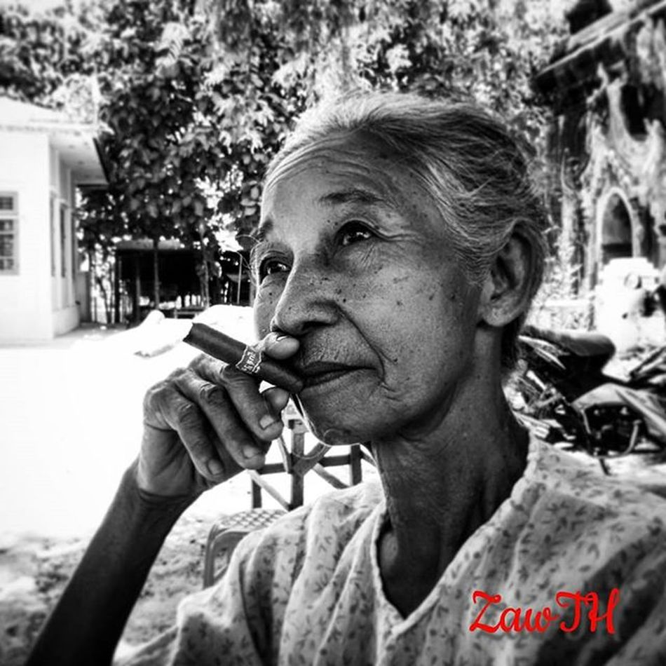 Past time Glory............fade away.....Ageing... အတိတ္၏ ပ်ိဳျမစ္​ျခင္​းမ်ား ...........မွံ ုဝါးလာ ........ဇရာ... Blackvisionprojects Bnw Blackandwhite Respirofotografia Collection_bw Igers Igersmyanmar Igersmandalay Vscomyanmar Universal_bw Myanmarphoto Vsco_cool Vsco_good Vscocam Pocket_bnw Travelgram Aseanchannel Collection_bw Aseanchennel