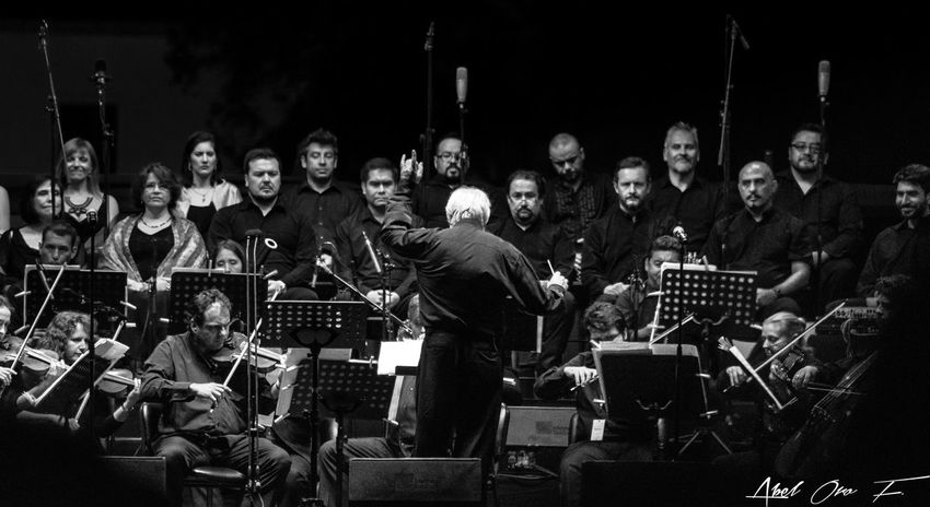 Arts Culture And Entertainment Music Musician People Night Concert Tenor Chile Check This Out Photooftheday Art
