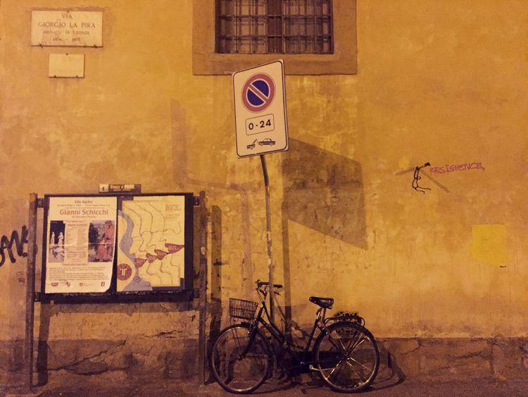 🚲 Bike Streetphotography Bikelife Firenze OpenEdit Life Travel Street Hello World Walking Weekend Happytravels Bike On Street Bikepark