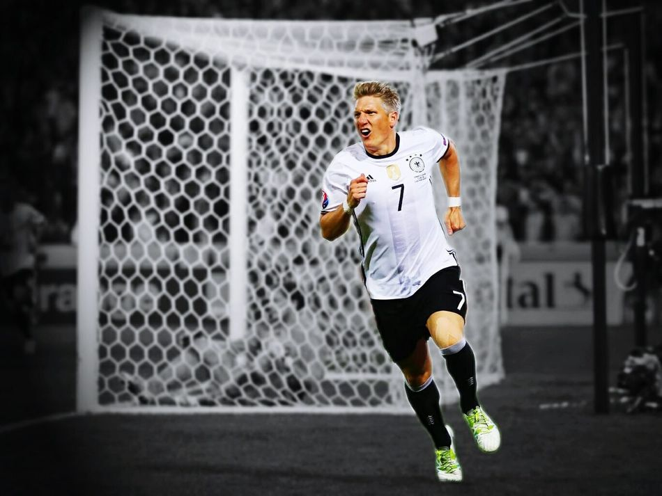 Bastian Schweinsteger Basti Captain Diemannschaft Photo UEFA EURO 2016 Deutschland