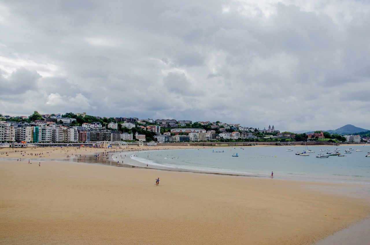 Beach Cloud - Sky Sand SPAIN Travel Destinations Unrecognizable Person San Sebastian Beach Sansebastian San Sebastian Paesi Baschi