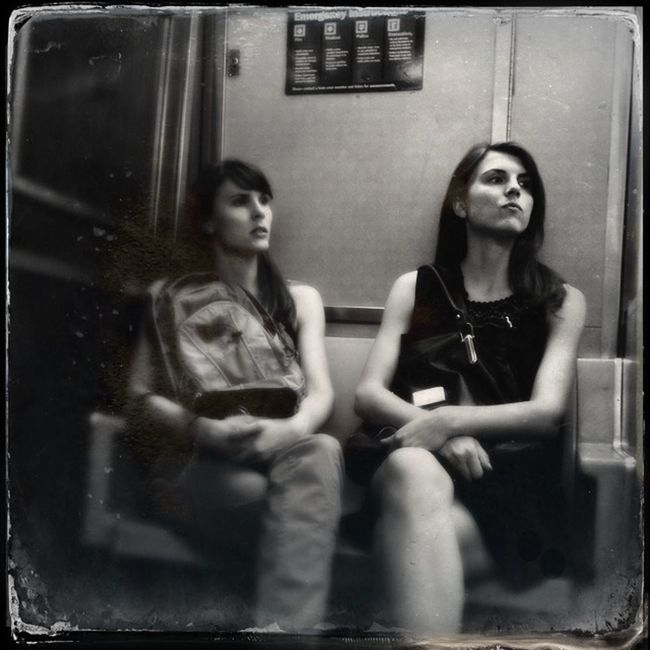 Sisters Subway Streetphoto_bw Blackandwhite