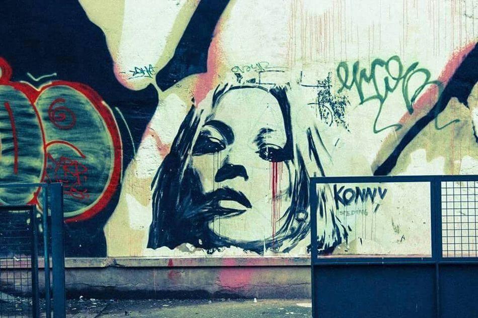 Graffiti Wall Paris Graffiti Humans Portraying Humans Graffiti Art Beauty Sexy Here Belongs To Me