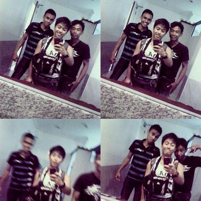 Tagal ng Bus picture muna sa cr ng lokal ng Palayan :) ñee