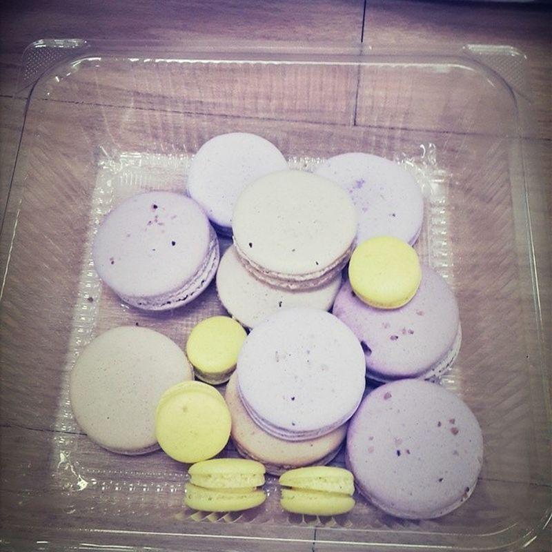 Omg!! Is so Delicious Macarons MacaronsDeParis by @yolandacwt