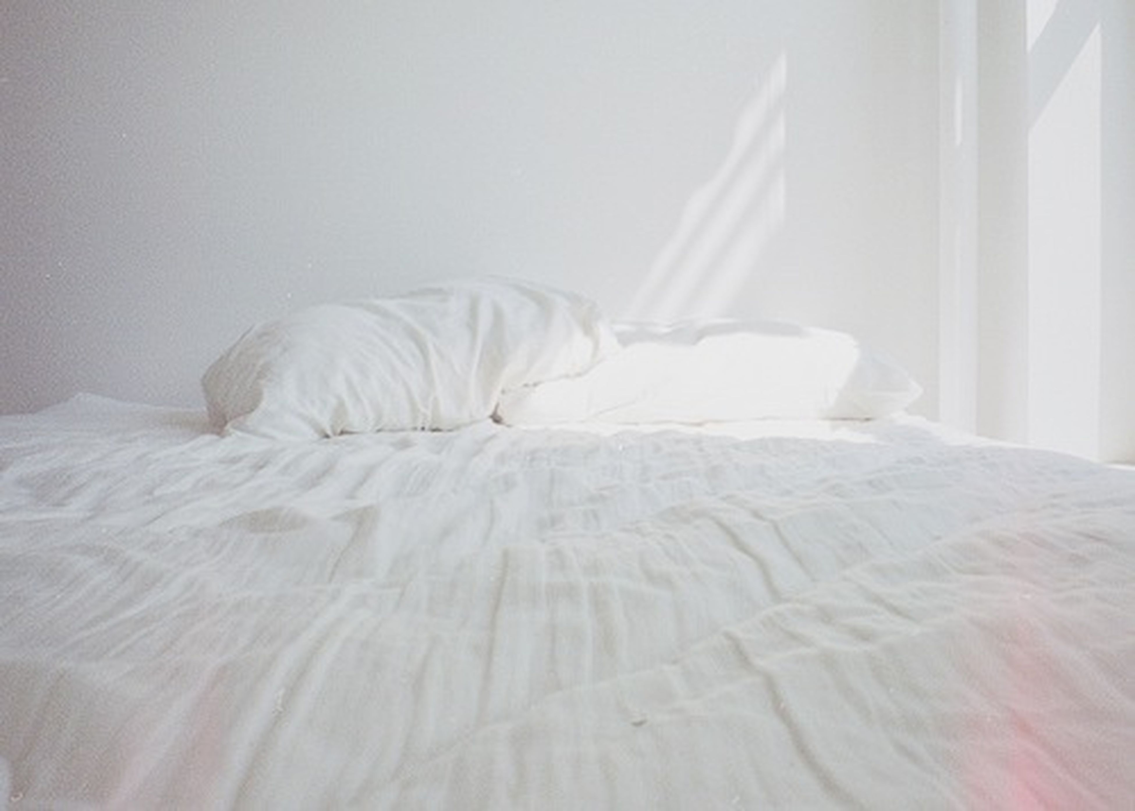 indoors, bed, home interior, bedroom, white color, still life, close-up, fabric, relaxation, domestic room, sheet, pillow, curtain, sofa, no people, white, table, home, textile, domestic life