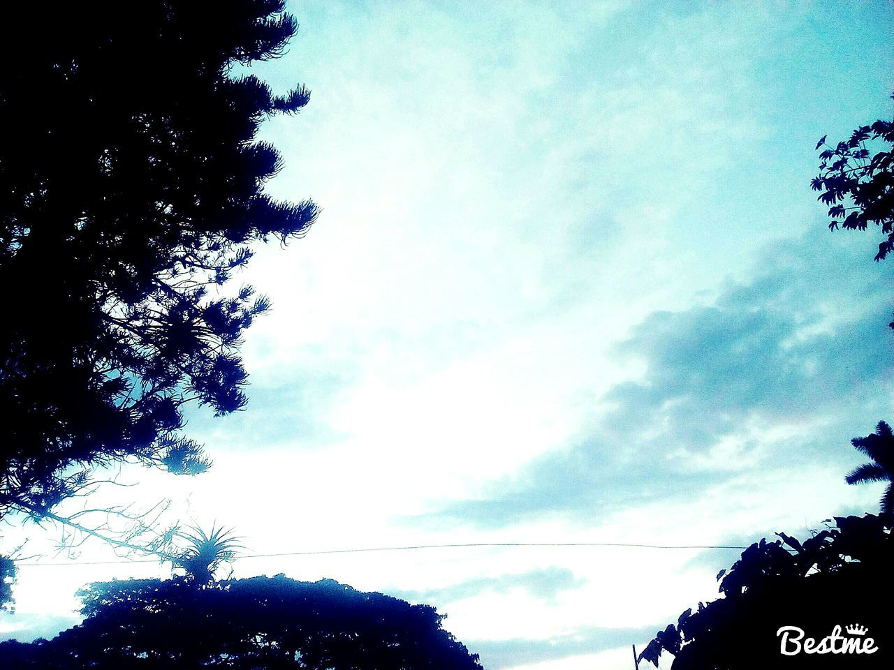 Ver el cielo y pensar en aquellas personas a las que amas y ya no estan Cielo Pensamiento Recuerdos♥