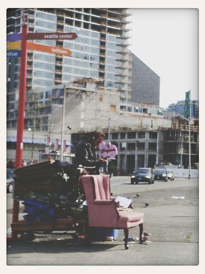 diggin dudes pink chair