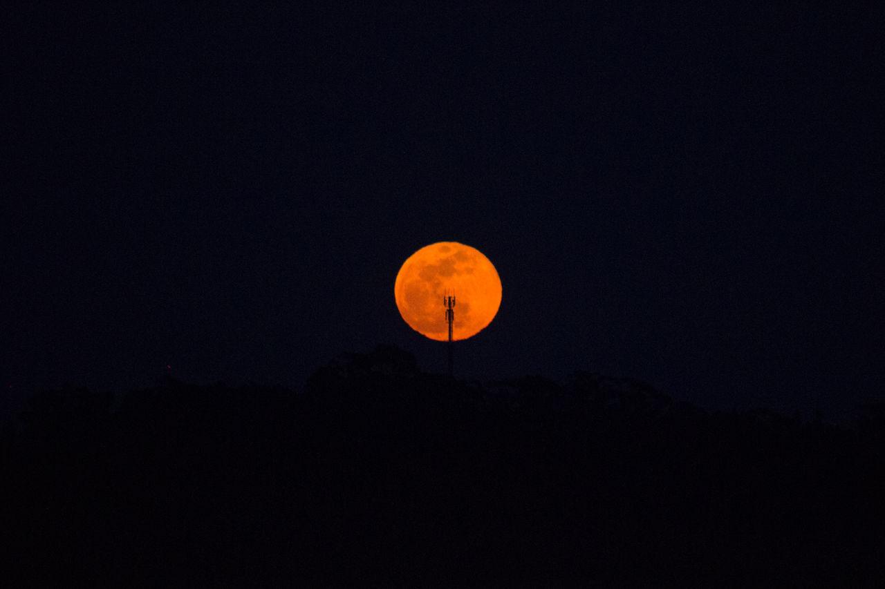 moon Antenna Circle Dark Full Moon Moon No People Nunopelicano Orange Color Silhouette