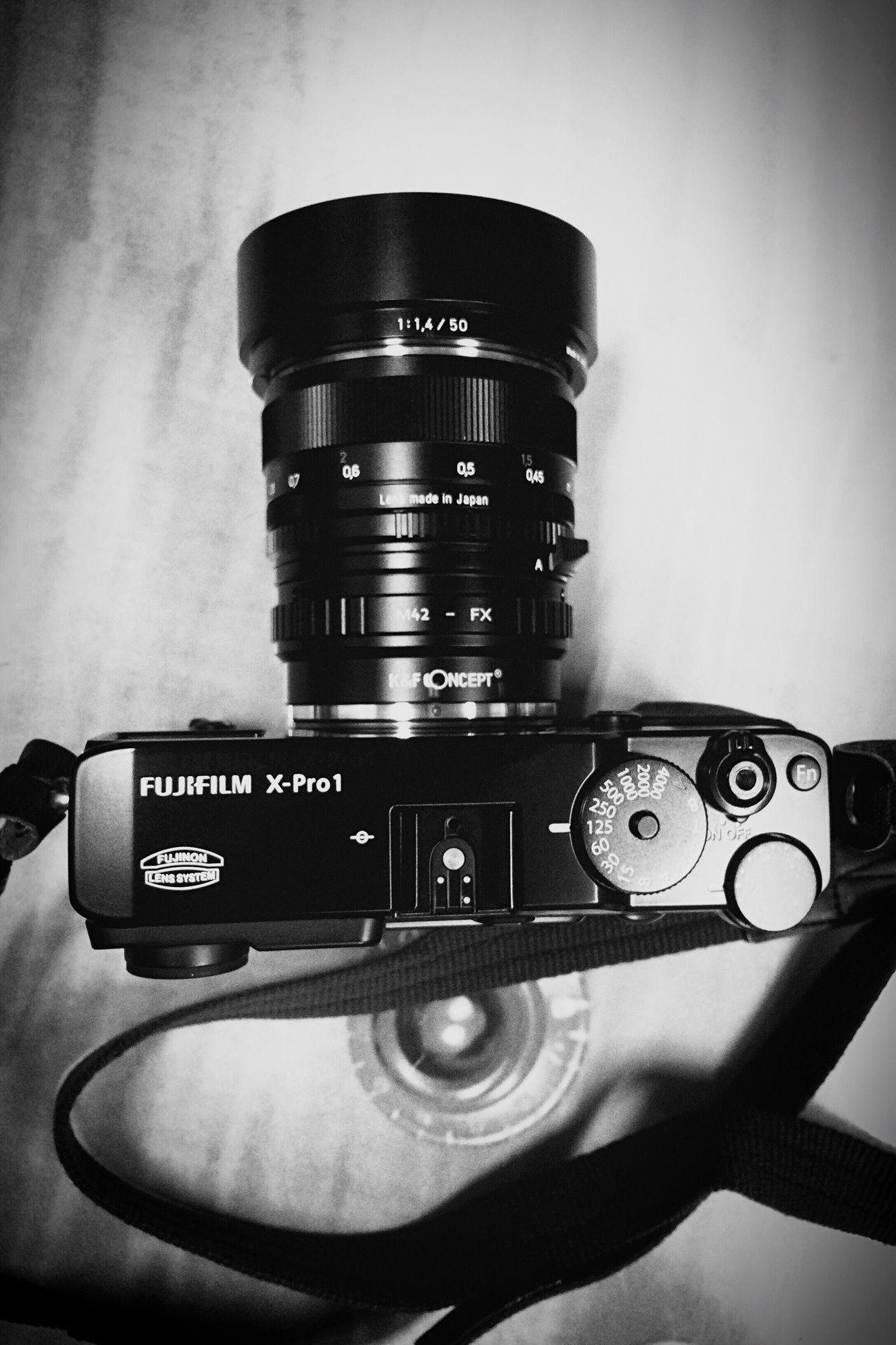 新しい相棒 Newcamera Camera - Photographic Equipment Blackandwhite Black And White EyeEm Gallery Black & White Bw_collection Carl Zeiss Planar50/1.4 BW Collection Fujifilm X-Pro1 Fujifilm