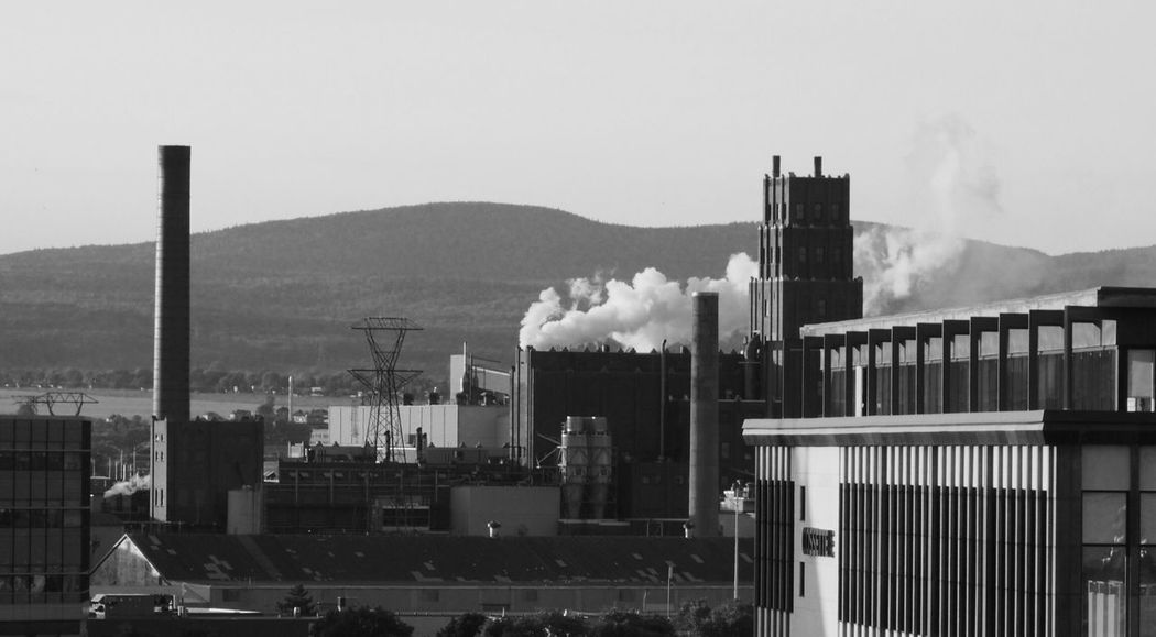 Montréal Canada Factory Montréal Smoke - Physical Structure Factory Smoke Stack Emitting Pollution Industry Air Pollution Built Structure Fumes No People