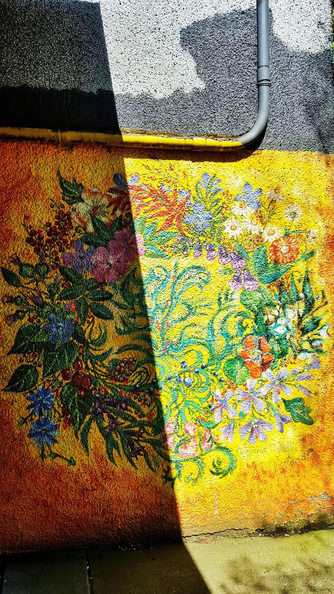 Sunlight Street Art Graffiti Textured  Multi Colored No People Day Pattern Close-up Light And Dark Into The Light Art Is Everywhere Sunshine Light Dark Murel Vancouver East Van East Vancouver British Columbia, Canada The Street Photographer - 2017 EyeEm Awards