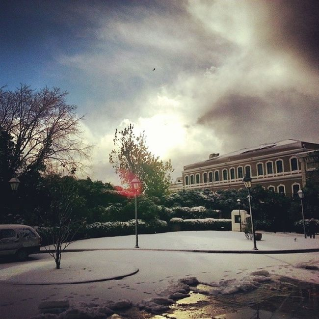 Winter is back BJK Plaza Kar K ış gokyuzu sky clouds skyporn snowy snow sun rise cold goodmorning weather istanbul turkey besiktas pwc pwcturkey