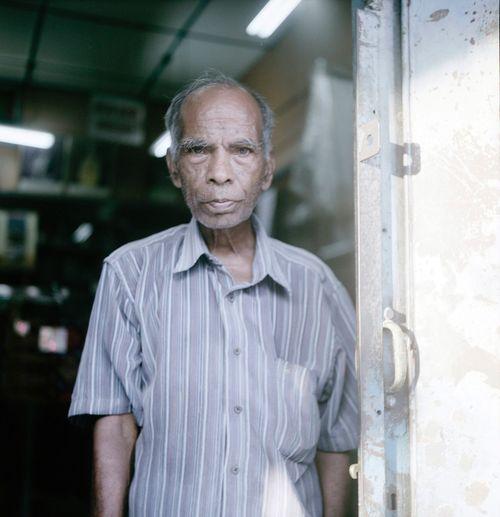 Street portrait 👴🏿 120mm Mediumformat Rolleiflex Streetphotography Analog Film Film Photography Filmisnotdead Believeinfilm Keepfilmalive Kodakfilm Portra160 Ishootfilm Malaysia