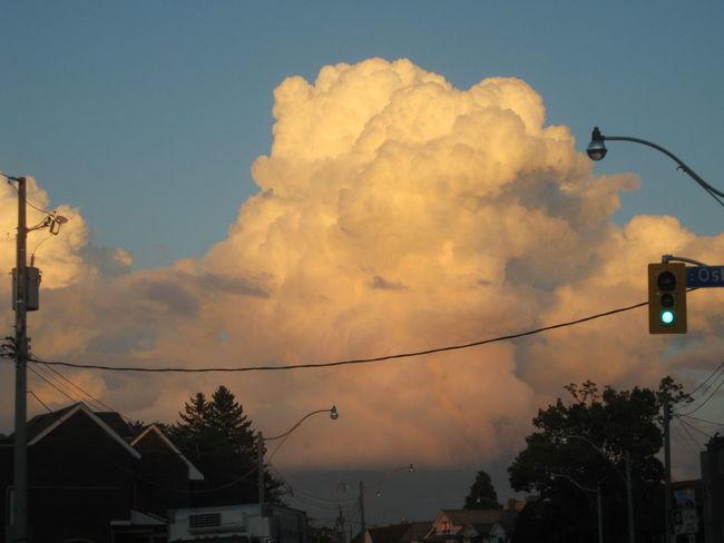 Cloud Cloud - Sky Cloudy Low Angle View Nature No People Sky Street Light Sunset 入道雲 海外