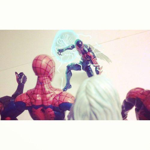 "2099 spiderman-""this is it,I've finally arrived.."" Spiderman-""aaaaaayeee!!..uh who are you?"" Marvellegends Peterparker Surperiorspiderman Disney Amazingspiderman Hasbro Miguel BLackCat Timetravel Feliciahardy Figurecollection Figurelover Figurelife Figures Collector Collecting 2099 Classicspiderman Baf Infinitieseries Hobgoblinwave Spidermam Spideyverse Webwarriors Spideyfamily family Maydayparker"