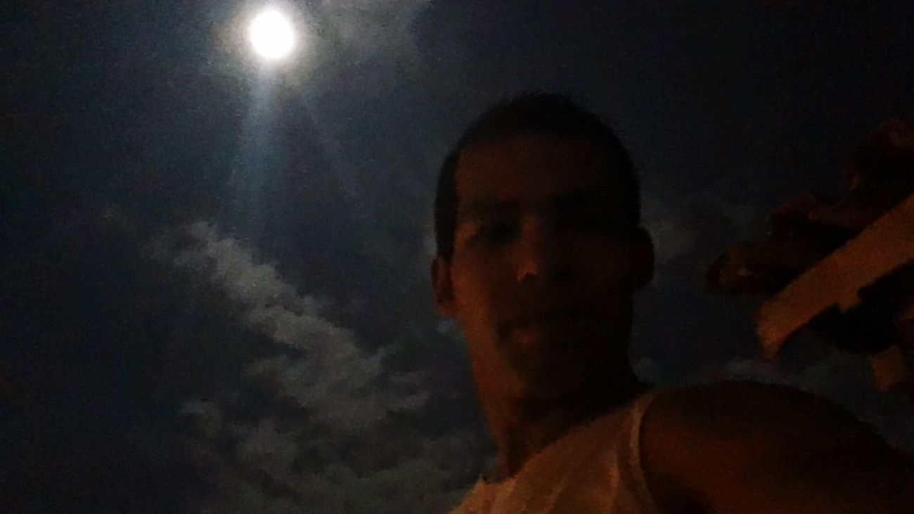 About a full moon night. / Sobre uma noite de lua cheia. One Person Real People Leisure Activity Illuminated Indoors  Young Adult Close-up Sky Day People Lua  Lua Cheia Noite Brasil