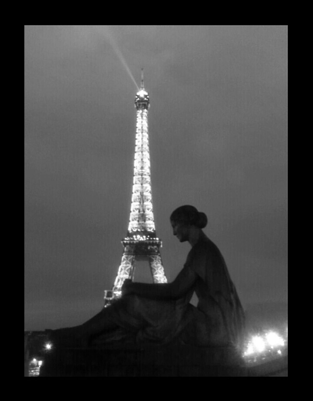 BNW PARIS Nous Sommes Des Soeurs...mais Pas Jumelles!!! ;)