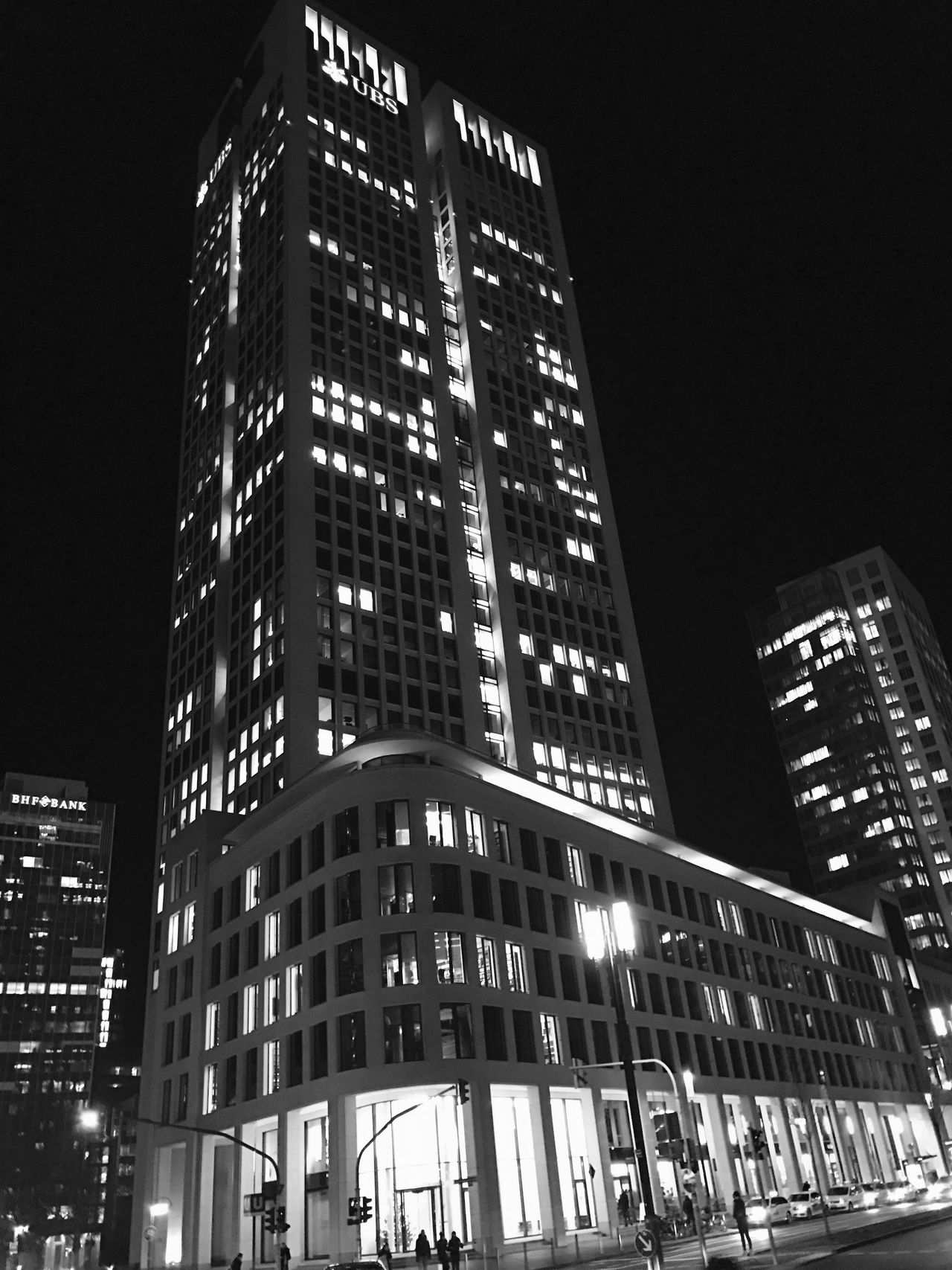 Frankfurt Hochhaus Architecture City Skyscraper Illuminated Built Structure Building Exterior Night Low Angle View Modern Travel Destinations Outdoors No People City Life Tall Frankfurt Frankfurt Am Main Skyline Frankfurt Skyline
