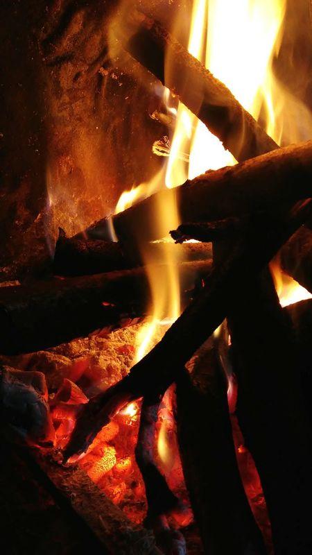 22 febbraio 2016 Fireplace Flame Warm Colors Fire Warm Cozy Caminetto Fuoco Legna Winter Colors