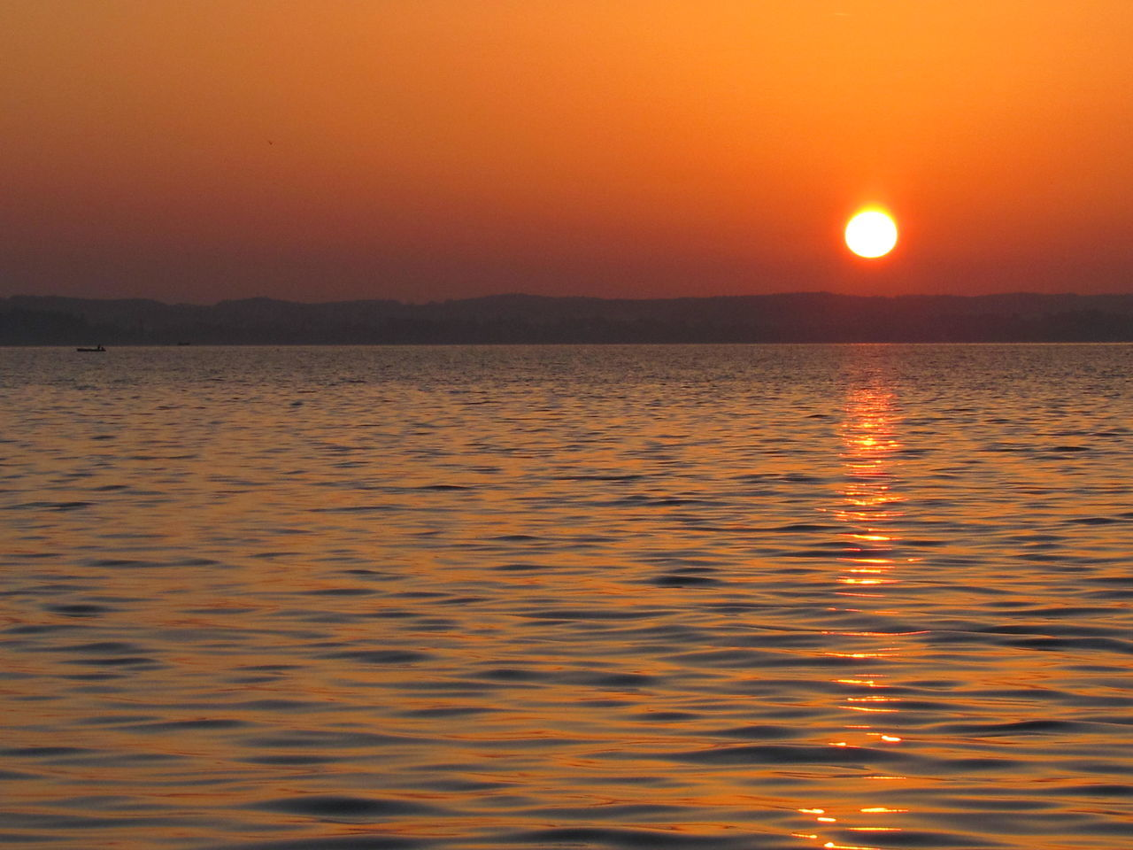 sunset, sun, nature, beauty in nature, scenics, water, tranquility, orange color, sea, idyllic, tranquil scene, no people, outdoors, waterfront, sky, horizon, scenery