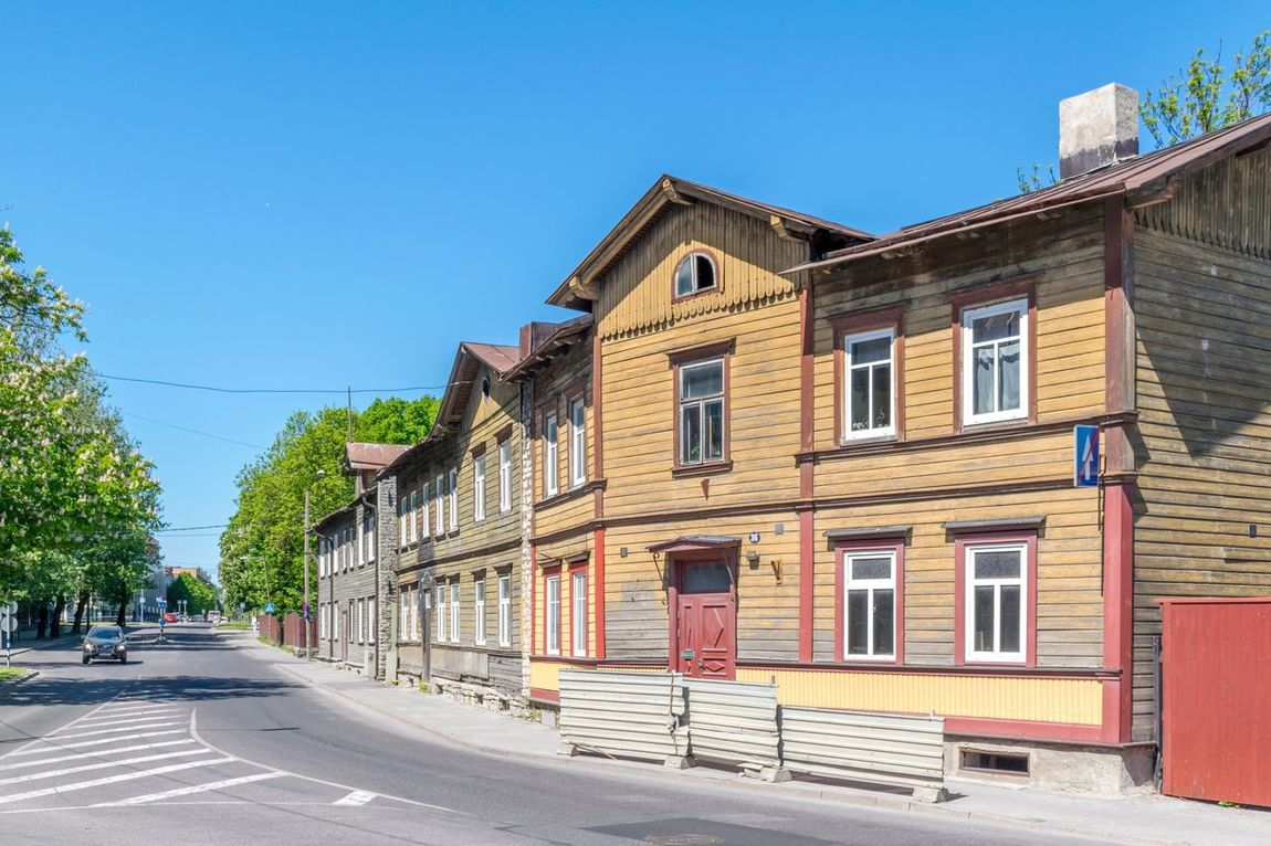 Wooden houses in the Kalamaja district of Tallinn, Estonia Tallinn Estonia Kalamaja Wooden House Wooden Houses Baltic Summer Blue Sky Travel Destinations Travel Photography Architecture Building Exterior No People House Day Street