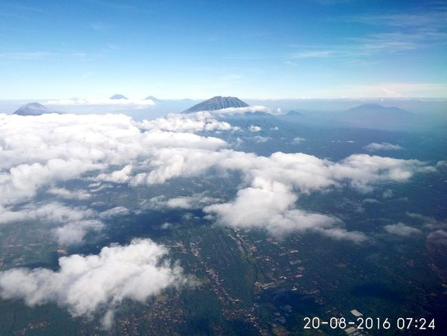 First flight. Check This Out Hello World Enjoying Life Hanging Out Sky Sky And Clouds Skyline Skyporn Skyscape Skyview Skylovers Skyblue Sky Photography Mountain Mountains Volcano Volcanoes INDONESIA Indonesian Street (Mobile) Photographie First Eyeem Photo