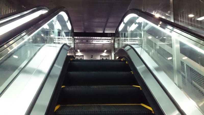 あと一息で到着 Walk This Way Escalator Walking Stepupmovie Up NARITAAIRPORT Japan Tokyo,Japan