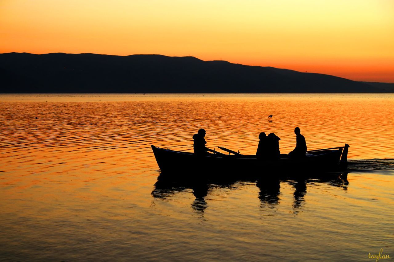 Bursa / Turkey GÖLYAZI Istanbul Kayık Lake Manzara Real People Sea Silhouette Trilye Turkey Türkiye Vacations Water First Eyeem Photo