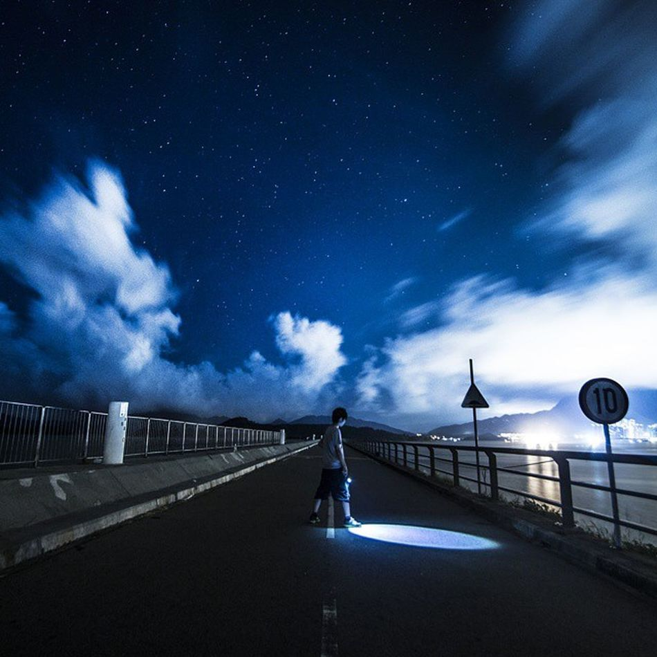 He has the sky Special thanks to @hardstyleairman Shot by Canon EOS 70d With Samyang 10mm f/2.8 ED AS NCS CS Hk Hkig HongKong Discoverhongkong Pbhk Milkfoto VSCO Vscocam Vscohongkong Vscoexpo Vscogood Hk2015 Shoot2kill Picoftheday Photooftheday Instameethk Lightbeamz Landscape Sky ASIA Discoverasia Canonshooter stars cloudporn star galaxy urbanandstreet