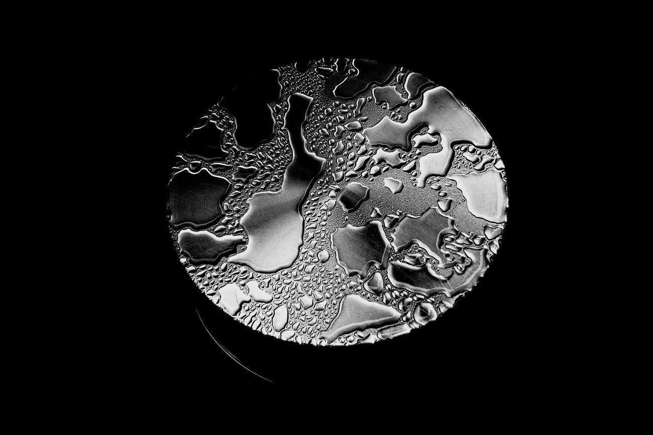SPOT… Monochrome B/w Canon M3 Zeiss Biogon Tokyo Japan Shades Of Grey CarlZeiss